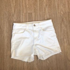 White American Eagle Shorts!